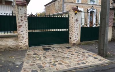 Pose portail fer forgé et pavés parisien